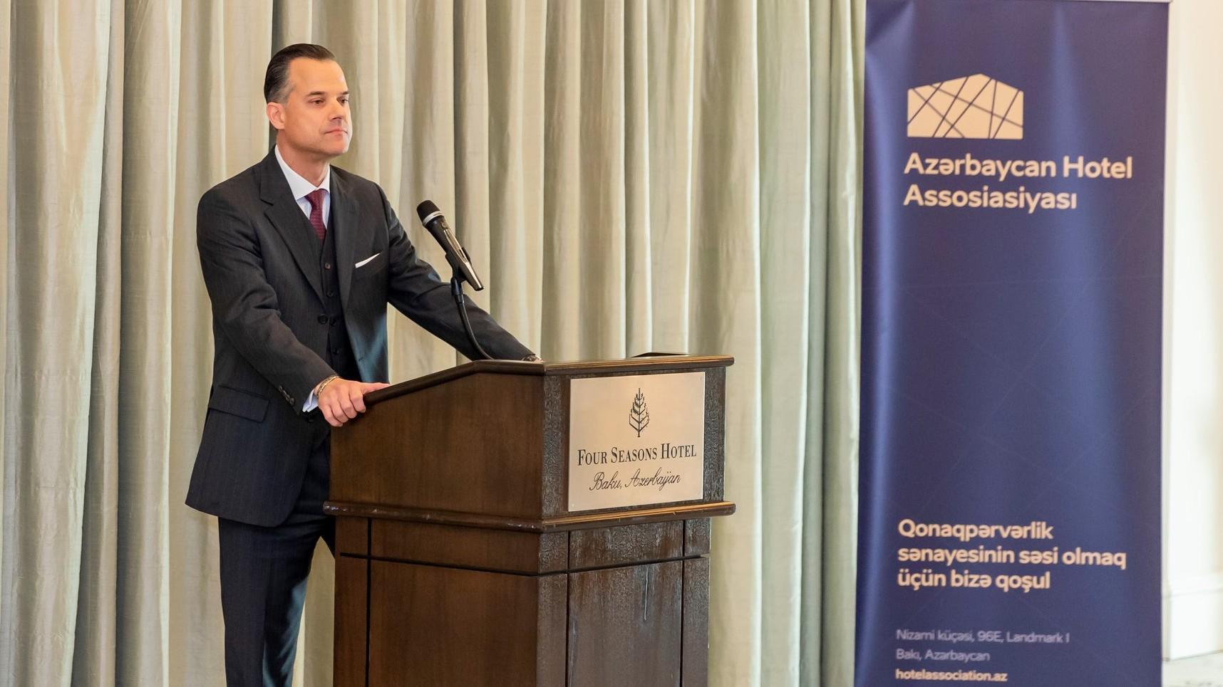 Azərbaycan Hotel Assosiasiyasının prezidenti təşkilatın üzvlərinə təqdim olunub